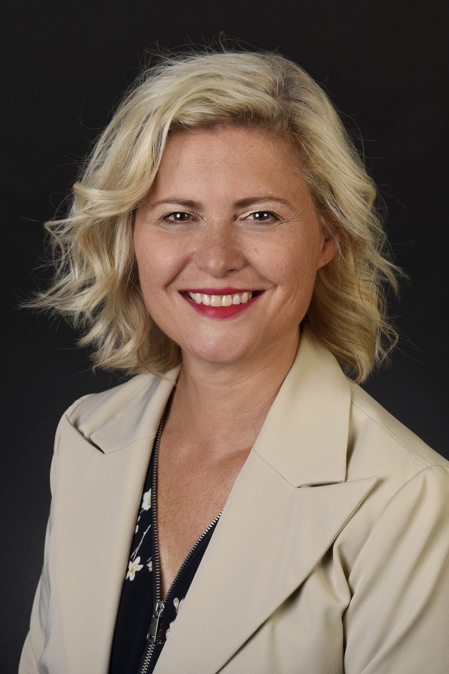 Deborah Kunz, rédactrice en communication d'entreprise & relations publiques pour DK Rédaction